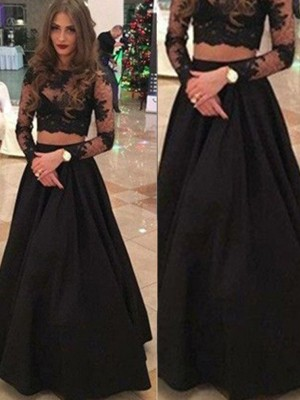 A-Line/Princess Long Sleeves Scoop Floor-Length Lace Dress