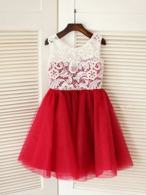 A-line/Princess Scoop Lace Knee-Length Tulle Dresses