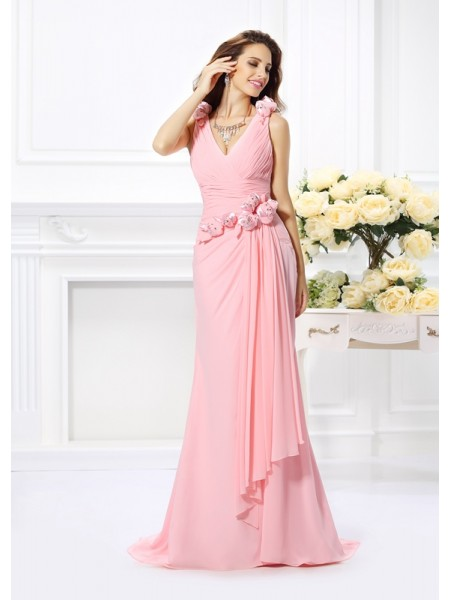 Trumpet/Mermaid V-neck Bridesmaid Dress with Long Chiffon