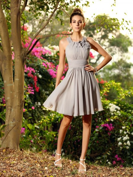 A-Line/Princess Scoop Short Chiffon Bridesmaid Dress