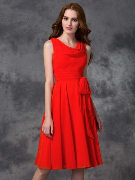 A-line/Princess Scoop Ruffles Short Chiffon Bridesmaid Dress