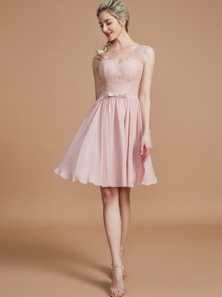 A-Line/Princess Lace Short/Mini Chiffon Bridesmaid Dress