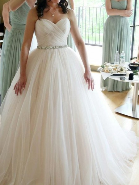 Ball Gown Sweetheart Sleeveless Beading Tulle Floor-Length Wedding Dress