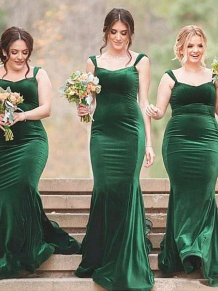 Sweep/Brush Train Sheath/Column Spaghetti Straps Sleeveless Bridesmaid Dresses with Velvet