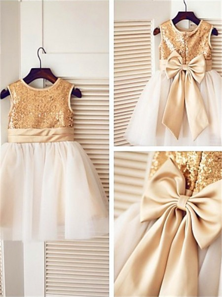 A-line/Princess Scoop Sequin Knee-Length Tulle Flower Girl Dress