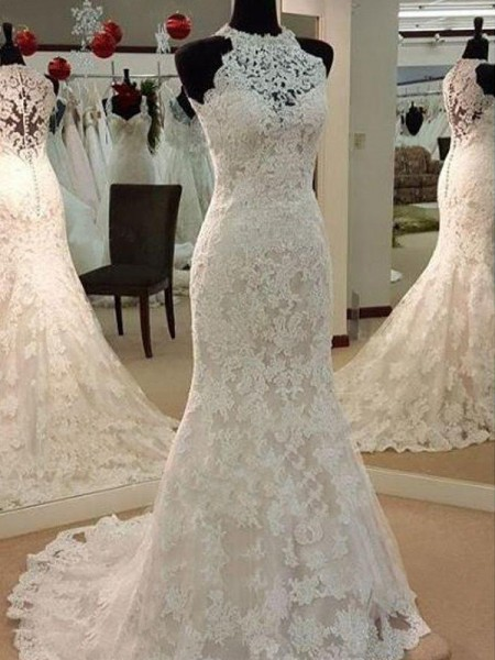 Sheath/Column Sleeveless Scoop Applique Lace Wedding Dress